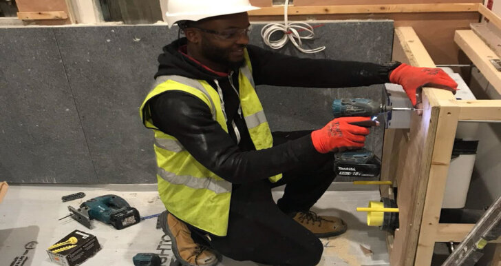 rsz_1aaron_daley_on_site
